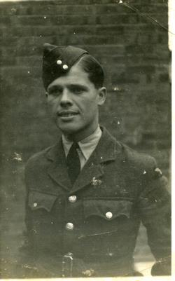 Clifford James  Whelpton, Royal air force volunteer reserve. Flight sergant 100 sqdn