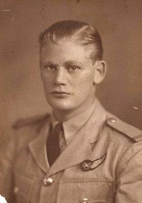 Stanley Walter Andersen, Flying Officer 54211