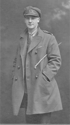 Leonard  Gordon Marthews, Lieutenant   Served with the South Lancashire Regiment.  Died from wounds sustained in action 1918