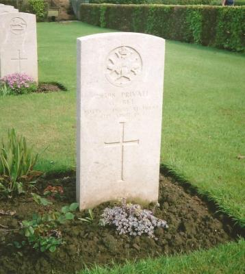 George Bee, Pivate - 17th Bn., Sherwood Foresters (Notts and Derby Regt.)
