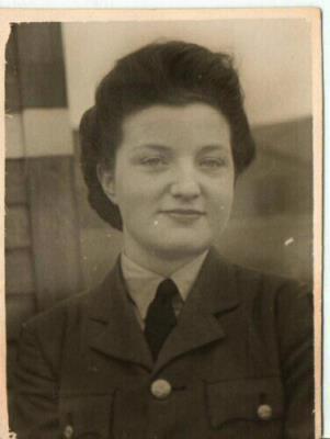 Glenys Doreen Harris, WAAF Aircraftwoman 1st Class