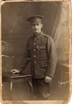 Thomas  Howlett, Private. 1st battalion, The Kings(Liverpool Regiment) service no.7266