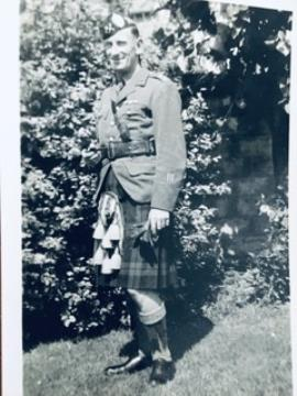 William Taylor, Lieutenant Argyll & Sutherland Highlanders, WW2 Italy & North Africa campaigns.