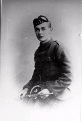 Kenneth Lockhart Walter, Private, 10th Bn Liverpool Scottish Regiment