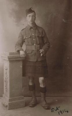 William Thorburn Earshman, Private: Queen's Own Cameron Highlanders. Service Number: S/11036
